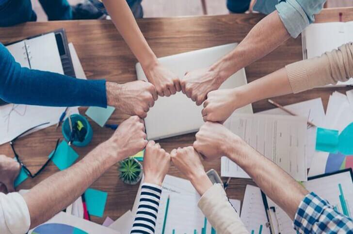 چگونه مدیریت اسناد تجربه کارمند را بهبود می بخشد؟